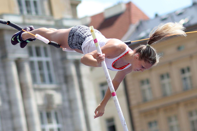 Pole Vault of Prague - Women 01