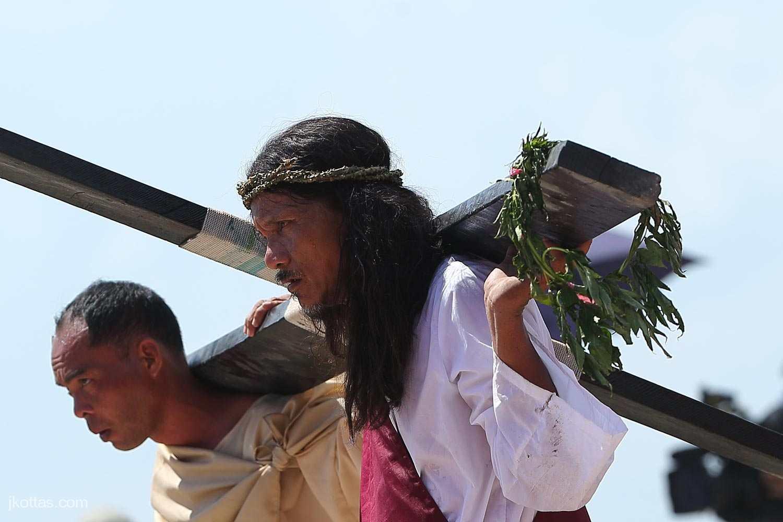 crucifixion-30
