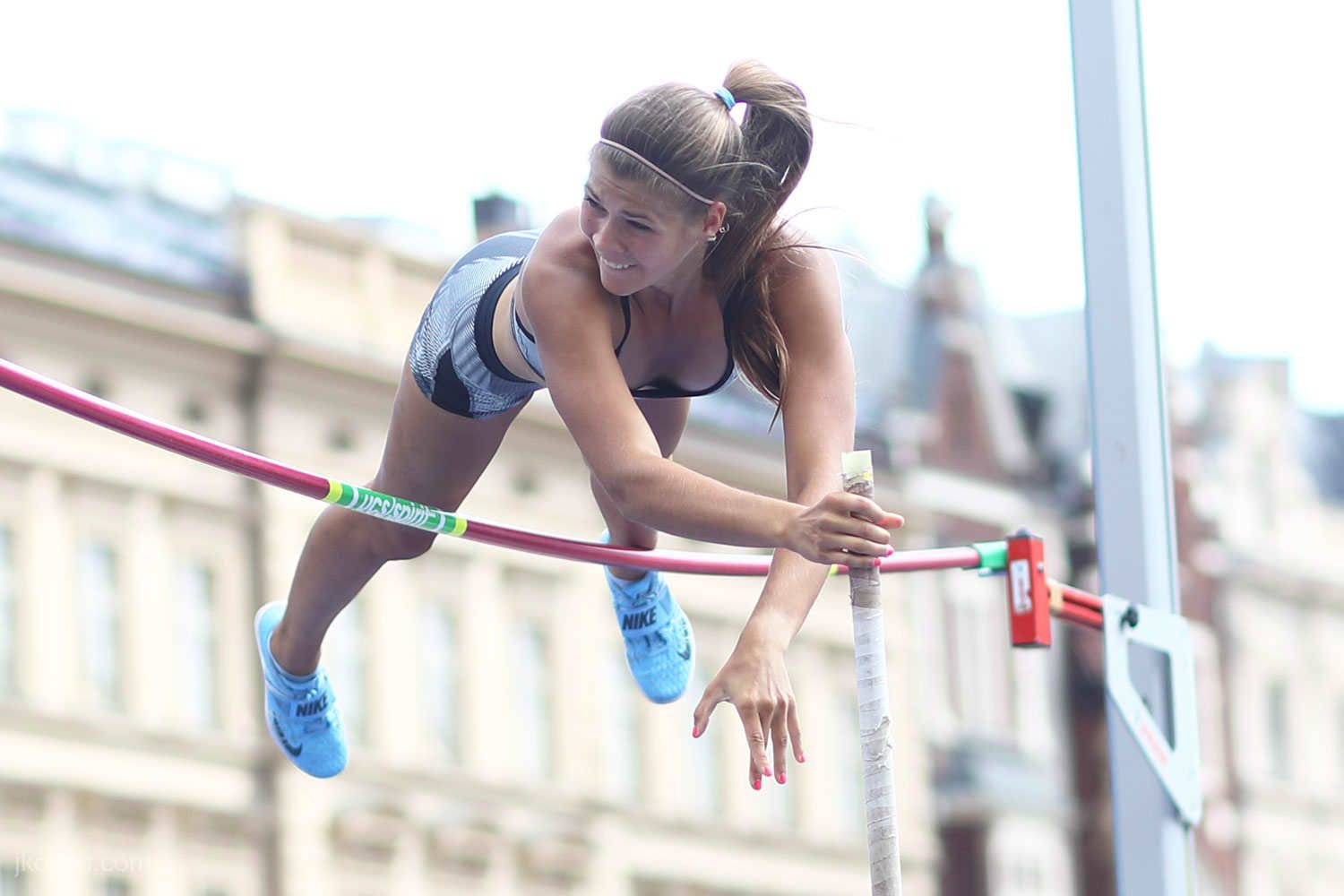 pole-vault-of-prague-06