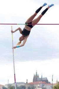 pole-vault-of-prague-11