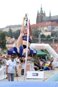 pole-vault-of-prague-12