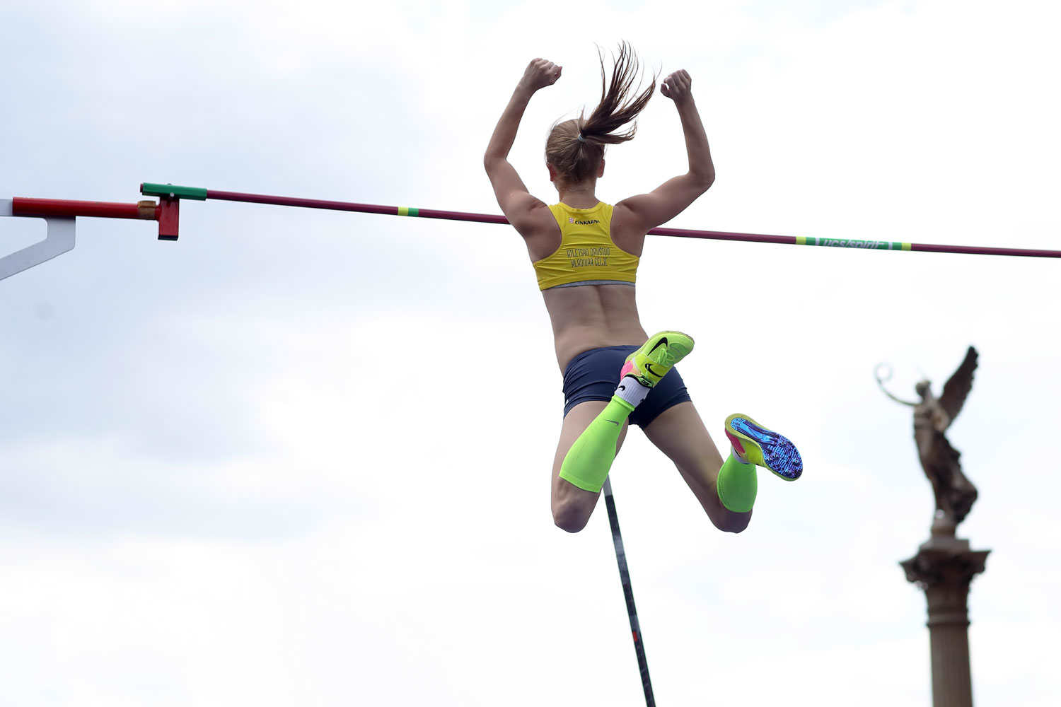 pole-vault-of-prague-15