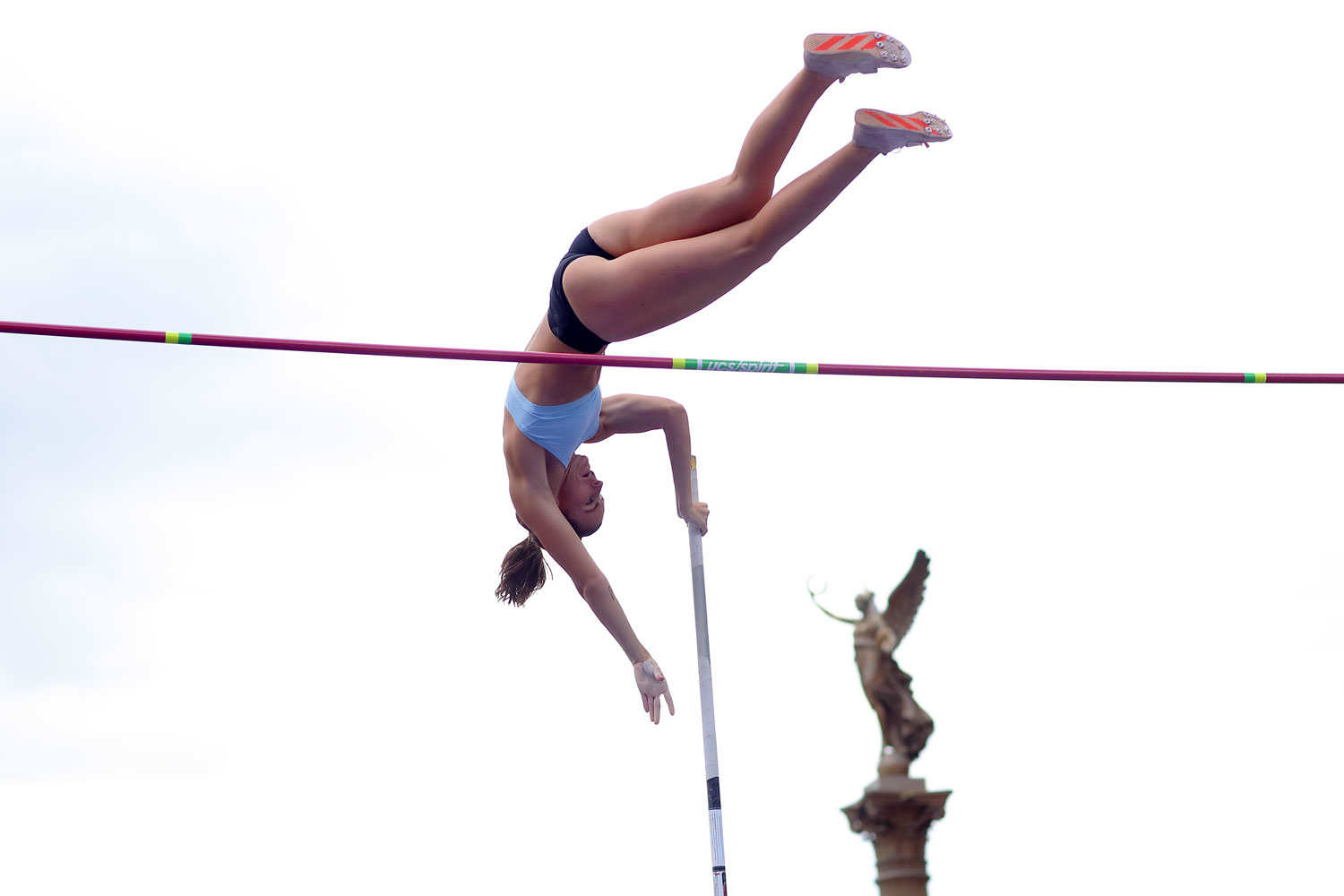 pole-vault-of-prague-16
