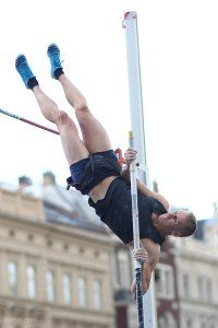pole-vault-of-prague-34